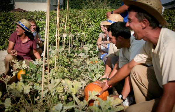 Personal Keepers en la Huerta de Montecarmelo. Fuente: www.lahuertademontecarmelo.com/