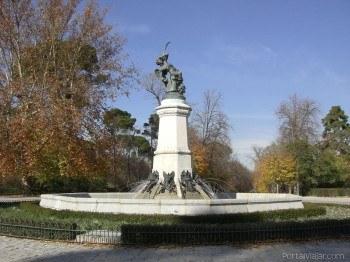 Estatua del Ángel Caido - www.portalviajar.com