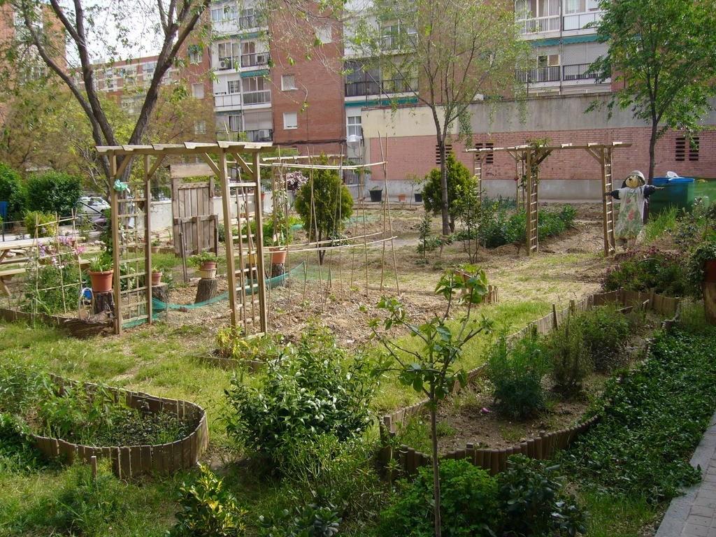 Huerto del Barrio del Pilar en el Distrito Fuencarral - El Pardo de Madrid (Fuente: www.aavvmadridd.org)