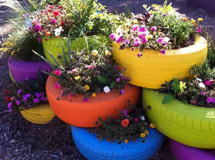 Recipientes de cultivo fabricado a partir de neumáticos reciclados (Fuente: www.bonsaiarteviviente.forogratis.es)