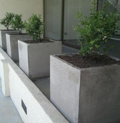 Jardineras de hormigón (Fuente: www.todomercado.com)