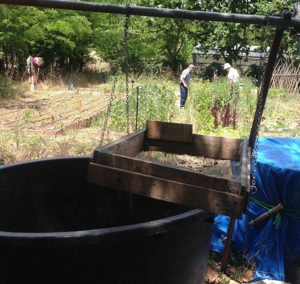 Criba para separar los elementos gruesos del compost